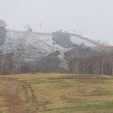 Snow falls on Annupuri today. Niseko is turning white